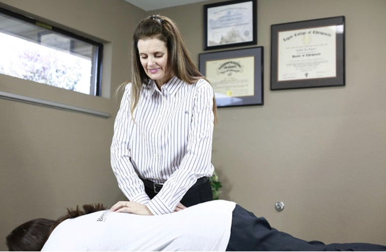 Chiropractic Techniques by hand